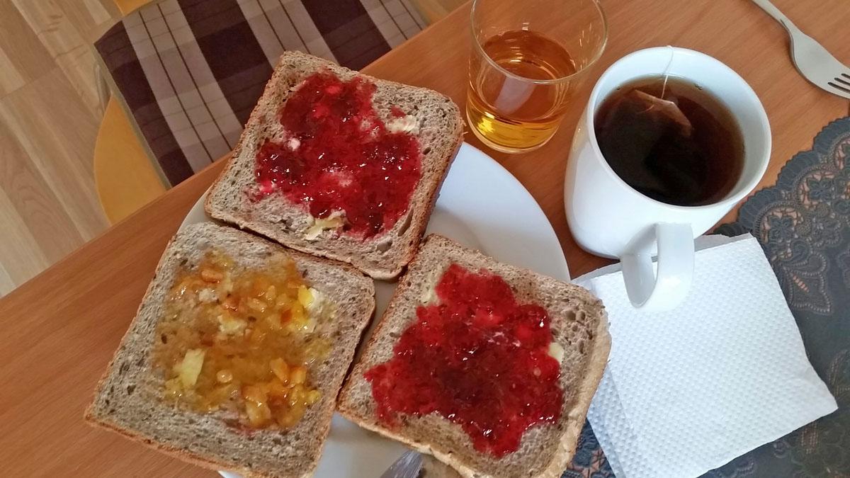 petit-dejeuner-guesthouse-stekkatun