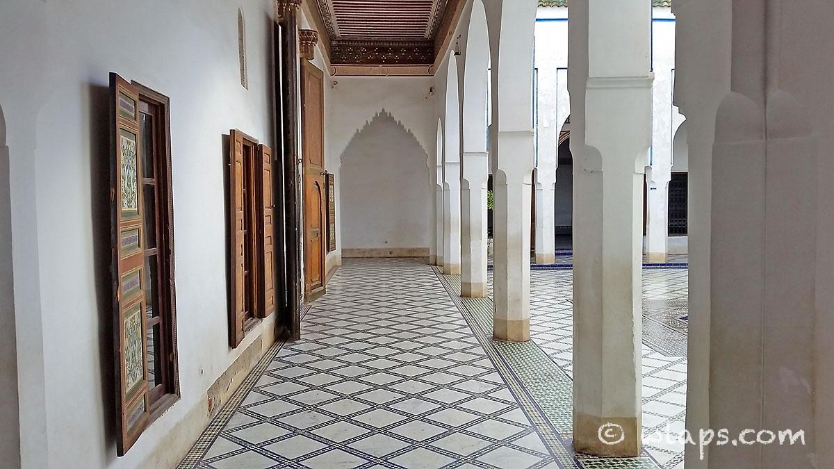 allee-palais-bahia-marrakech-maroc
