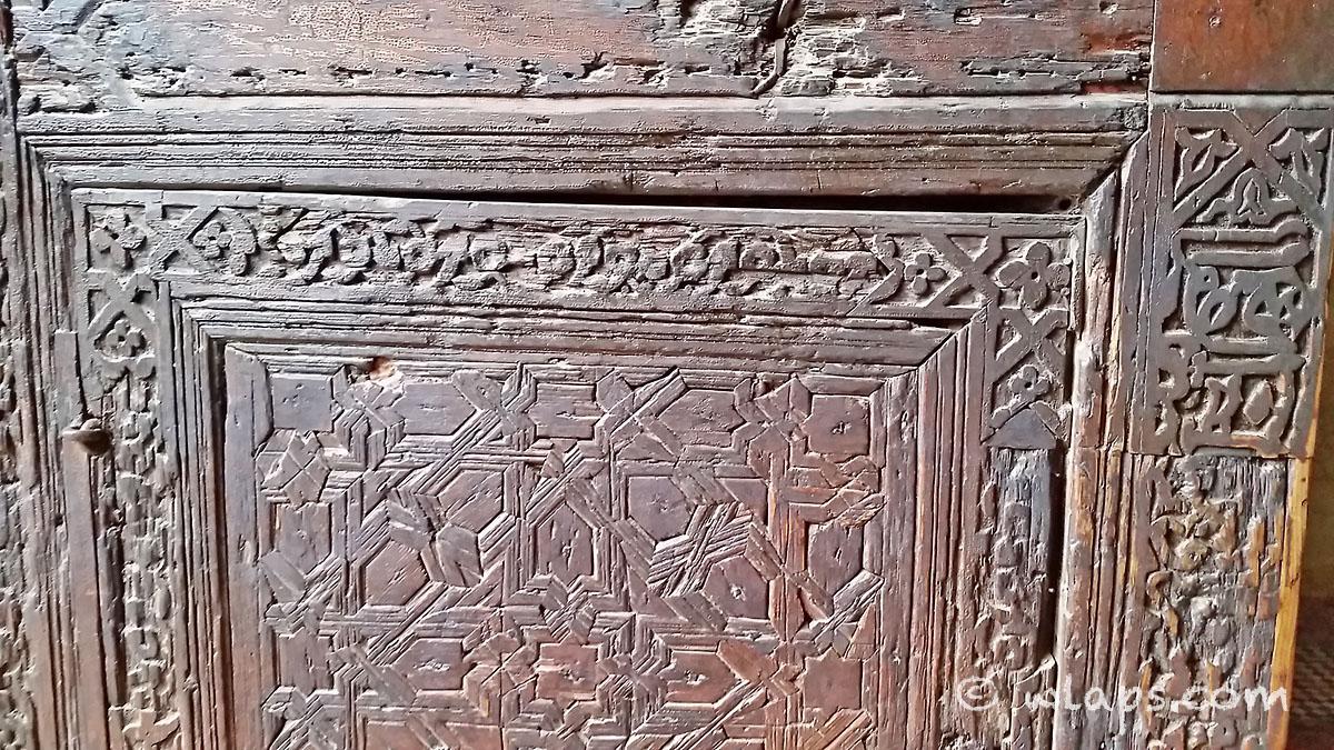 porte-bois-tombeaux-saadiens-carnet-voyage-maroc-marrakech