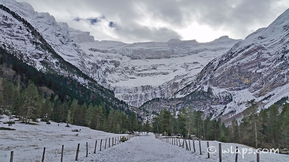 5-cirque-gavarnie-pyrenees-neige