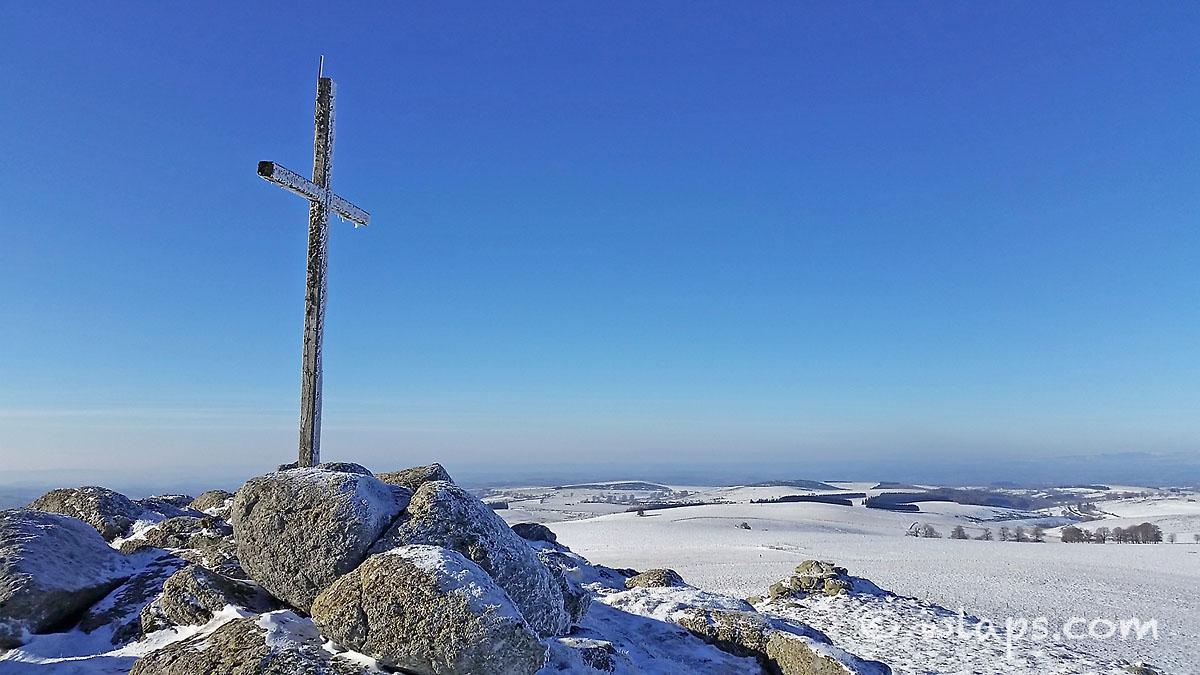 croix-aveyron-aubrac-lacalm