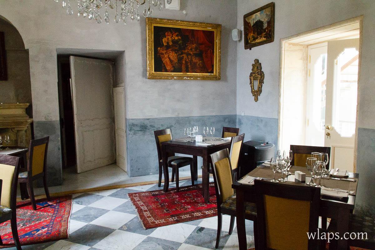 redwhite-palazzo-castelletti-restaurant-malte-rabat-2
